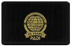 PADIのプロレベルはブラックのカードです!見せてもらってくださいね。あなたのインストラクターに!